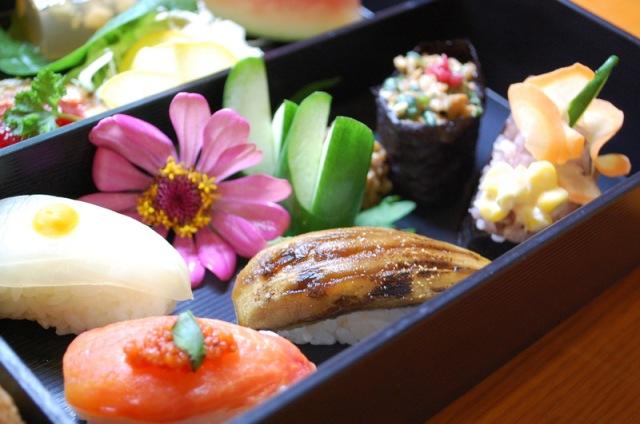 去年8月の復活第一弾を飾った「夏野菜のにぎり寿司3種」